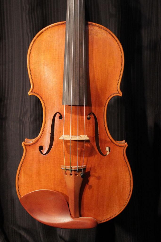 SOLD: Eastman M-VL905   $2000